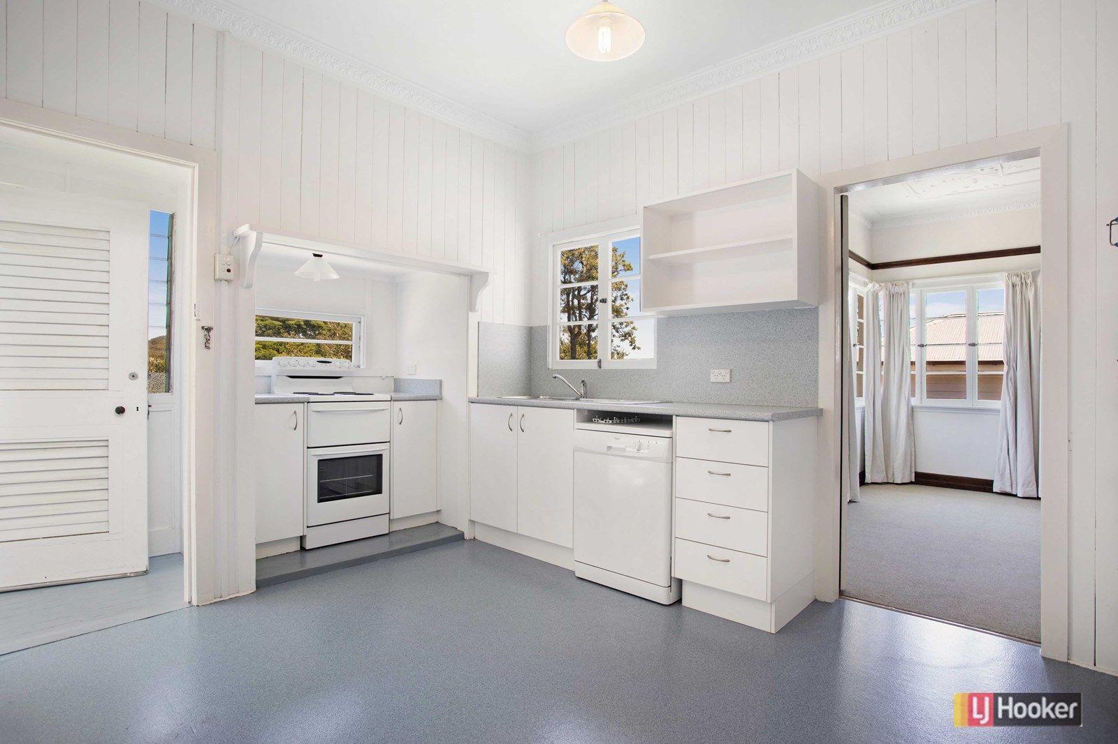 67 Carey Street, Bardon QLD 4065, Image 2