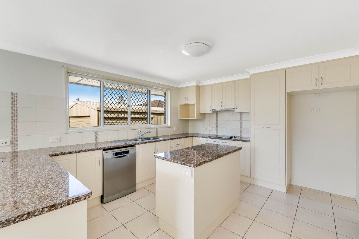 17 Knockator Crescent, Centenary Heights QLD 4350, Image 2