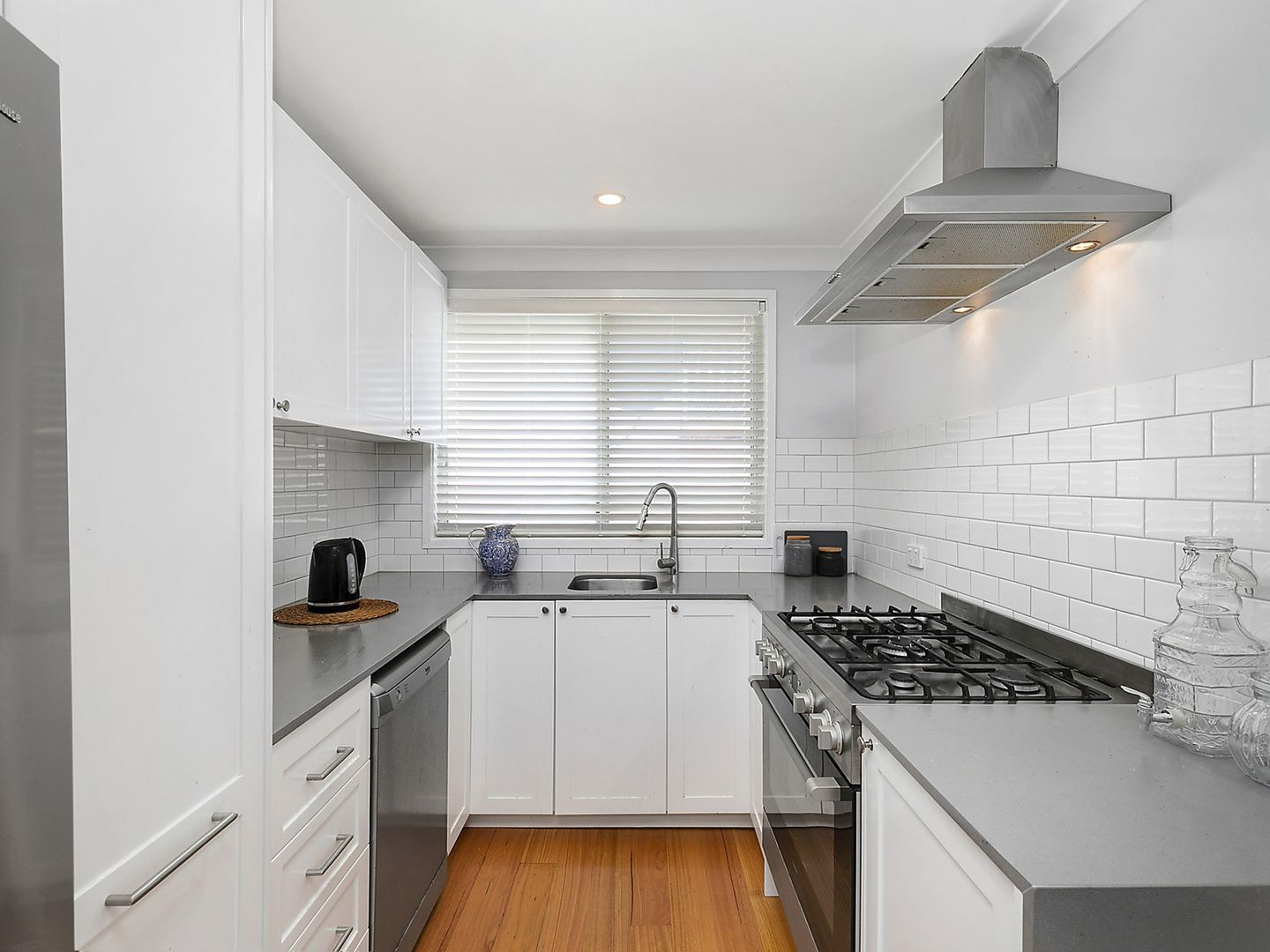 14 Canberra Street, Wentworth Falls NSW 2782, Image 2