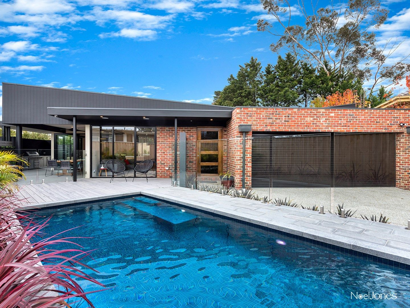 2 Newlands Court, Box Hill South VIC 3128, Image 0