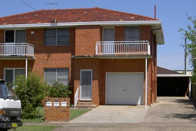 Picture of 1/70 High Street, TAREE NSW 2430