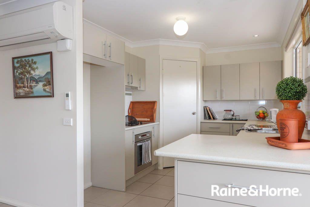 32a Marriott Avenue, Kelso NSW 2795, Image 2