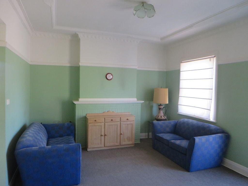 2/3-4 YENDA PLACE, Griffith NSW 2680, Image 2