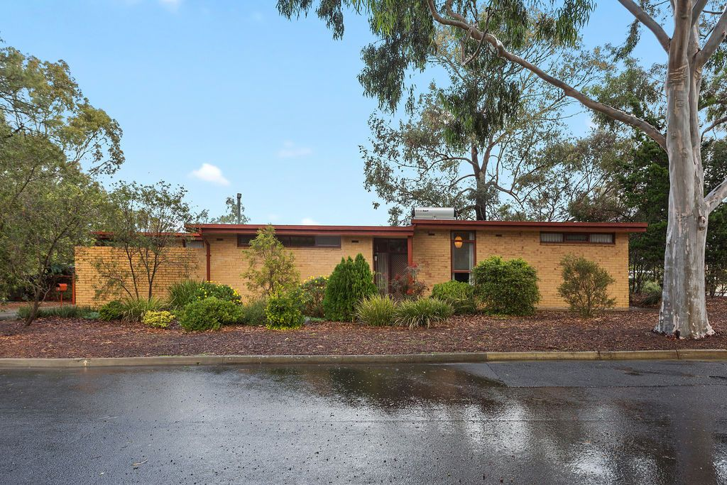 8 Hillside Drive, Campbelltown SA 5074, Image 0
