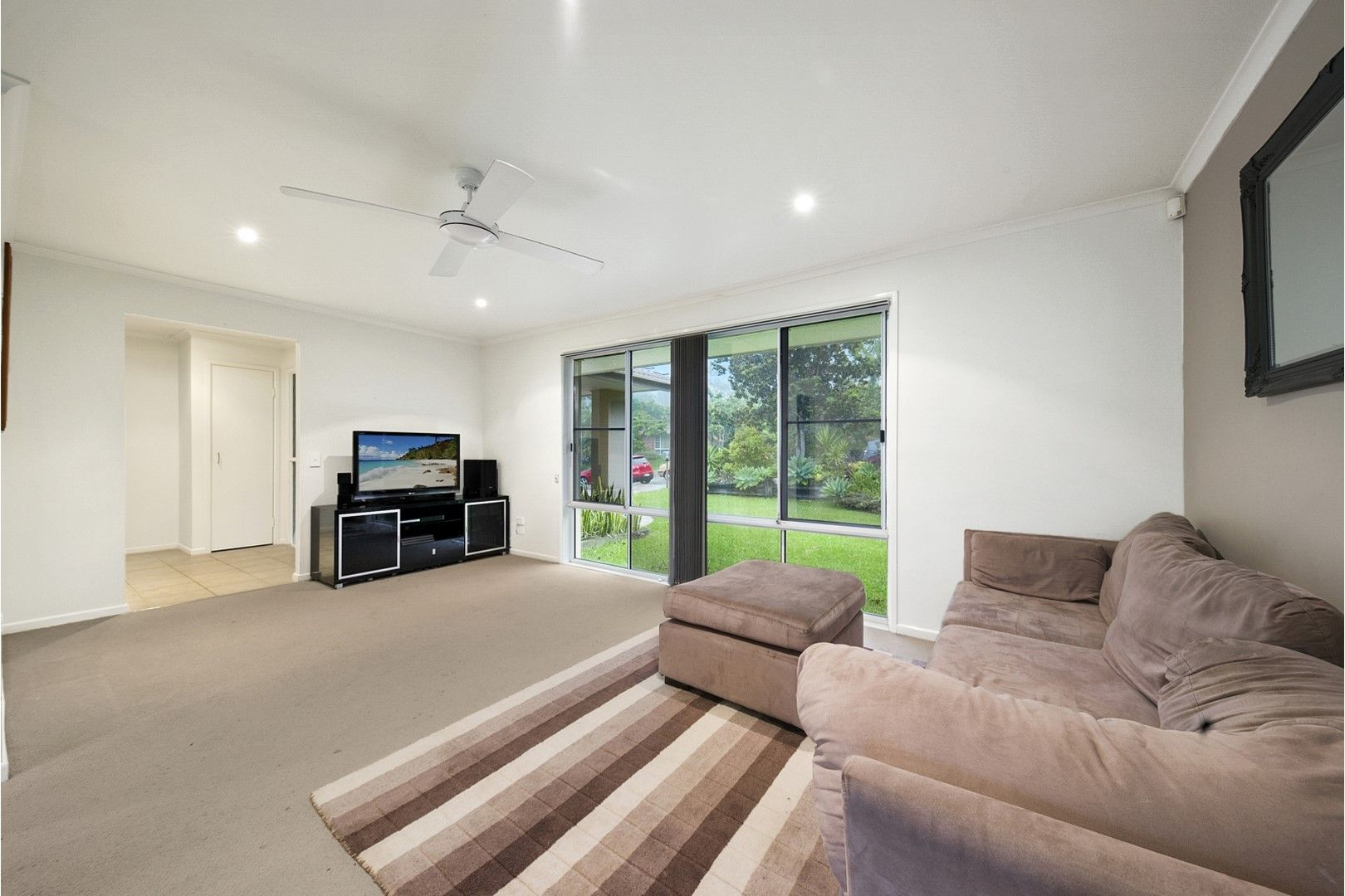 4 Rosslyn Court, Buderim QLD 4556, Image 2