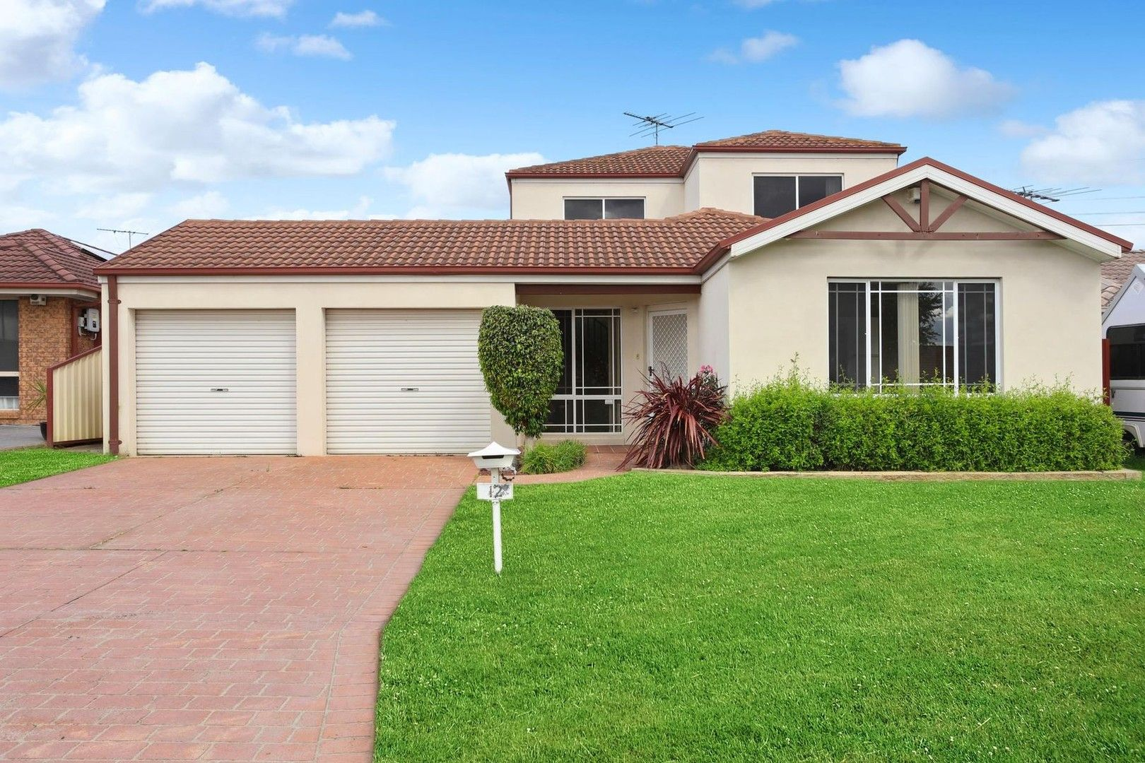 12 Richlands Place, Prestons NSW 2170, Image 0