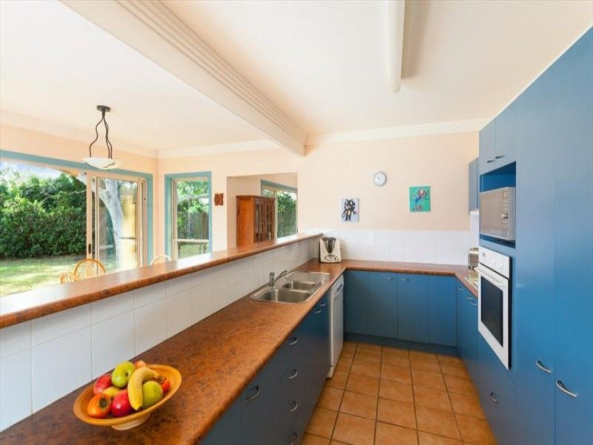 36 Blackbutt Place, Brookfield QLD 4069, Image 2