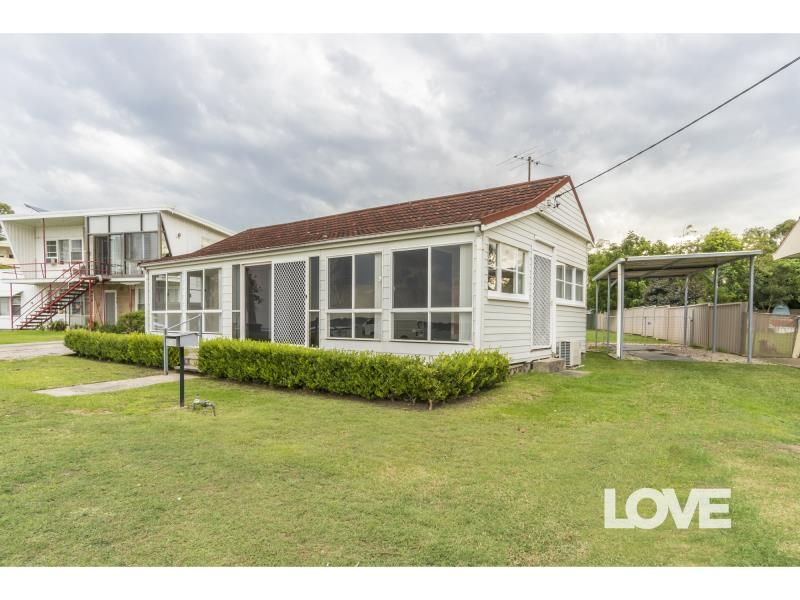 11 George Street, Marmong Point NSW 2284, Image 0
