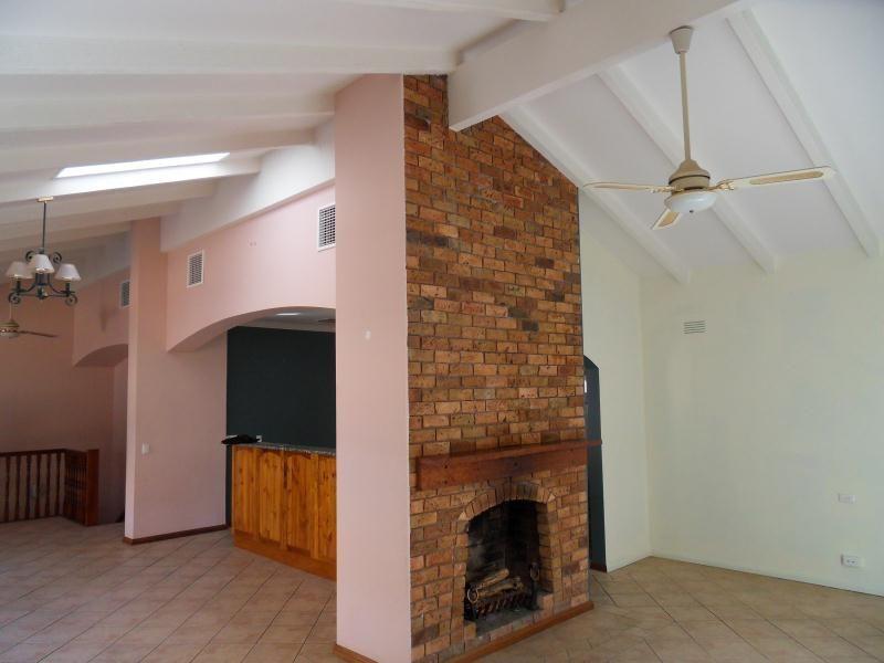 4 Banks Avenue, Kooringal NSW 2650, Image 1
