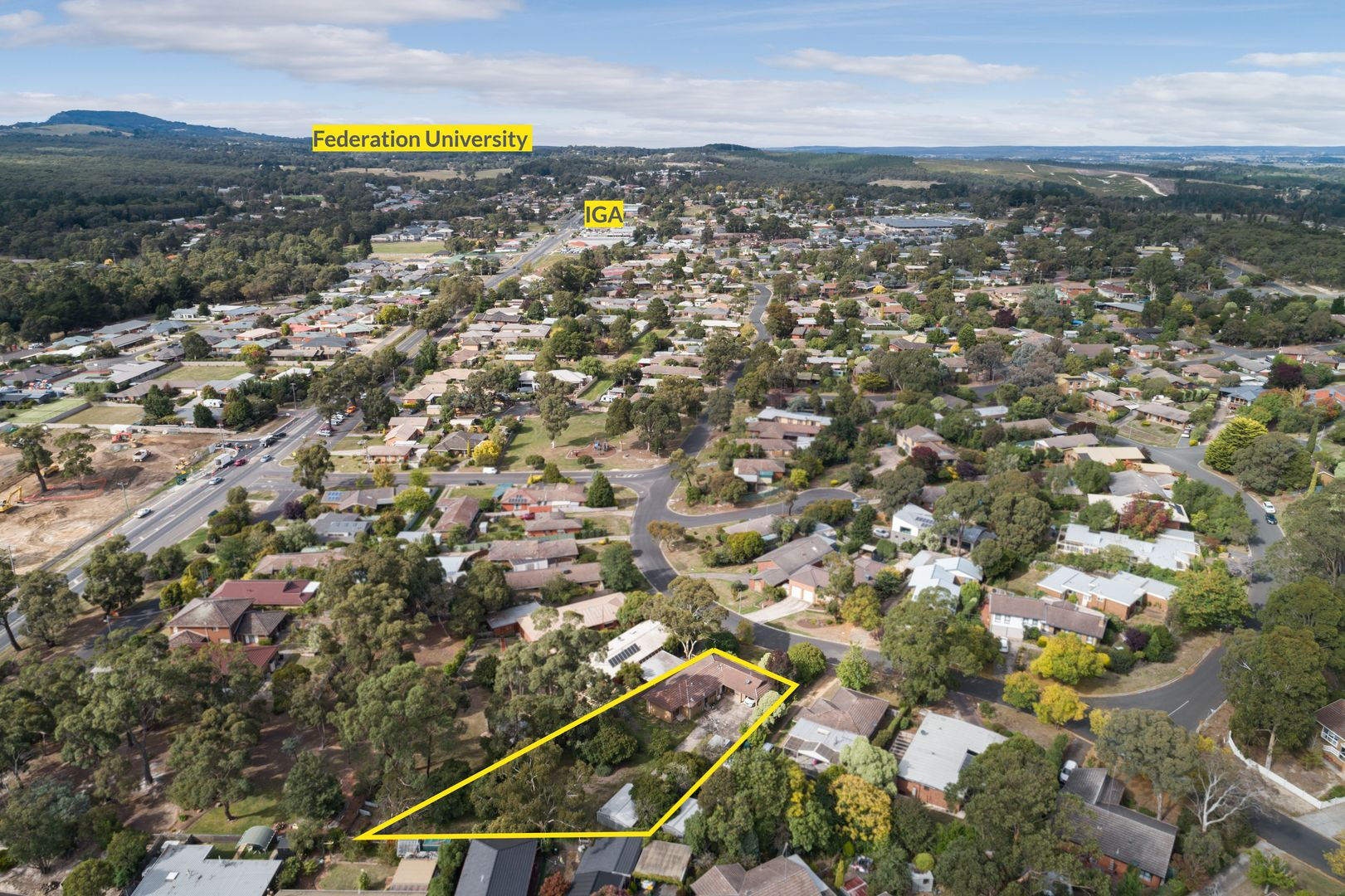 17 Mansfield Avenue, Mount Clear VIC 3350, Image 1