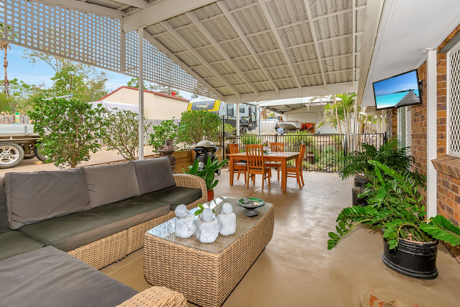 23 Flame Tree Court, Walloon QLD 4306, Image 2