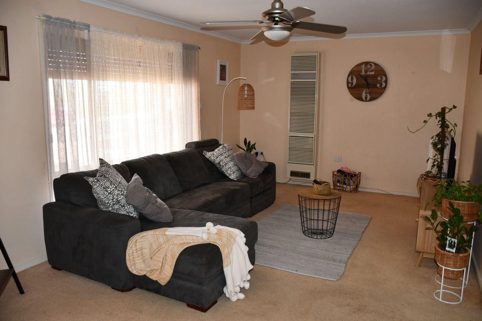 11 Wilaroo Street, Roxby Downs SA 5725, Image 1