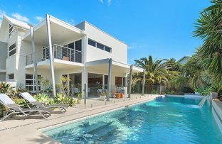 4 Seacliff Place, Caves Beach NSW 2281