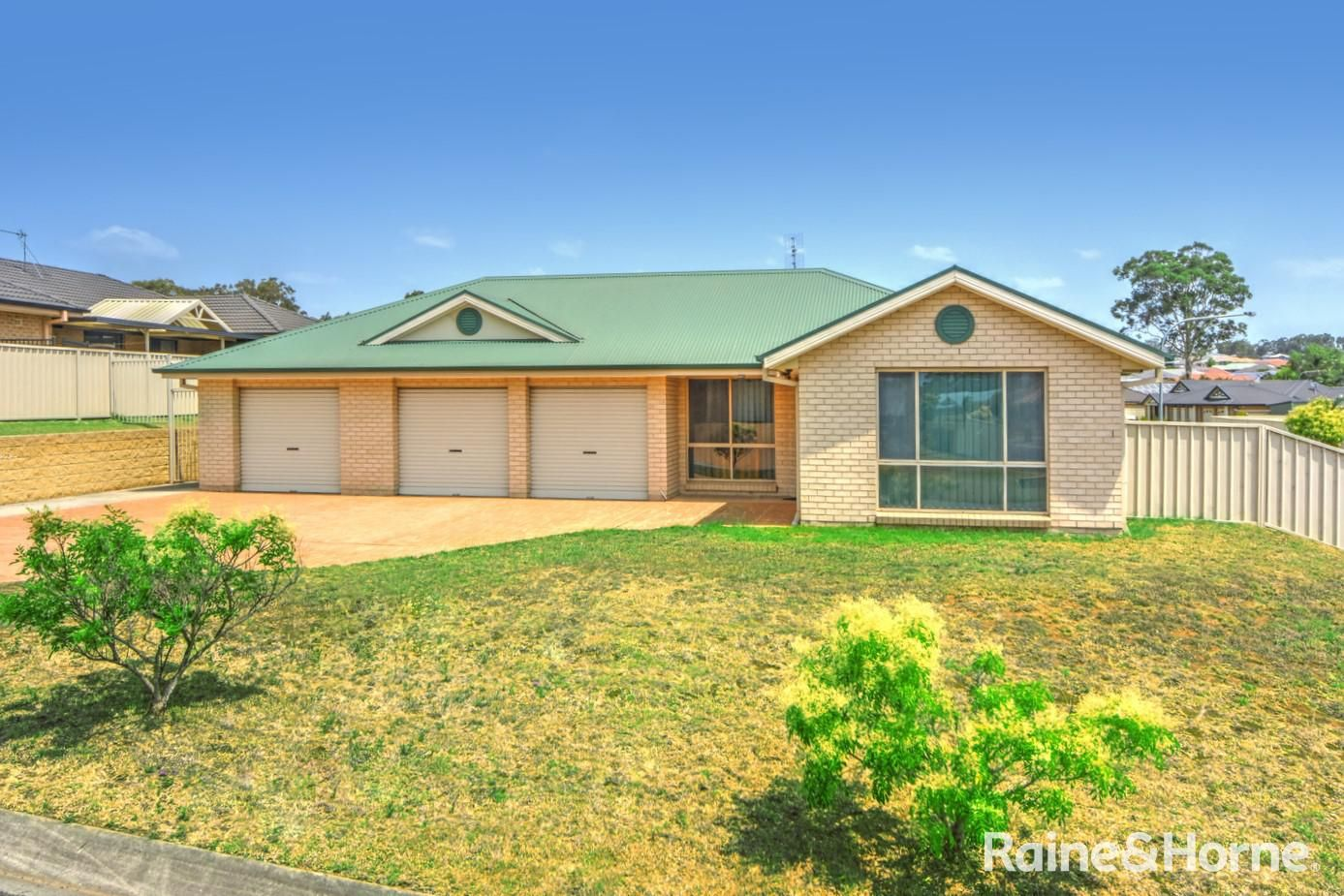 2 Junee Link, Nowra NSW 2541, Image 0