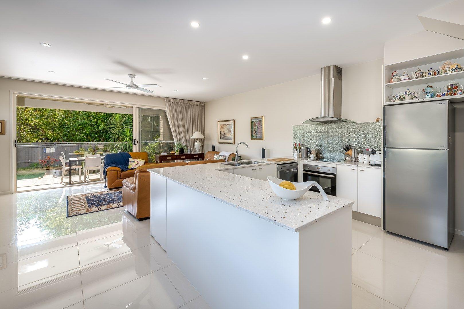 1/15 Broadwater Street, Runaway Bay QLD 4216, Image 2