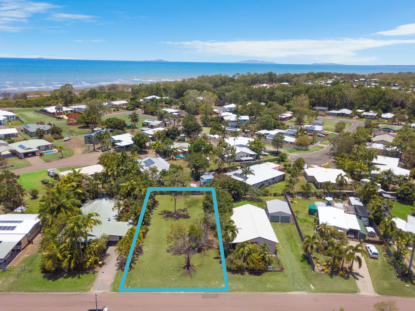 10 Borton Street, Balgal Beach QLD 4816, Image 2