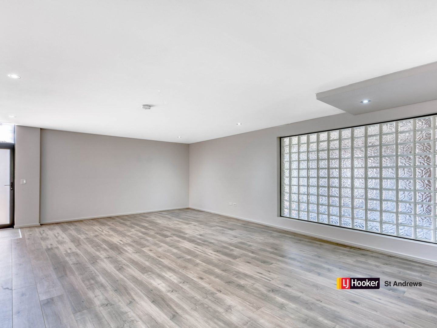 18/1 Parc Guell Drive, Campbelltown NSW 2560, Image 2