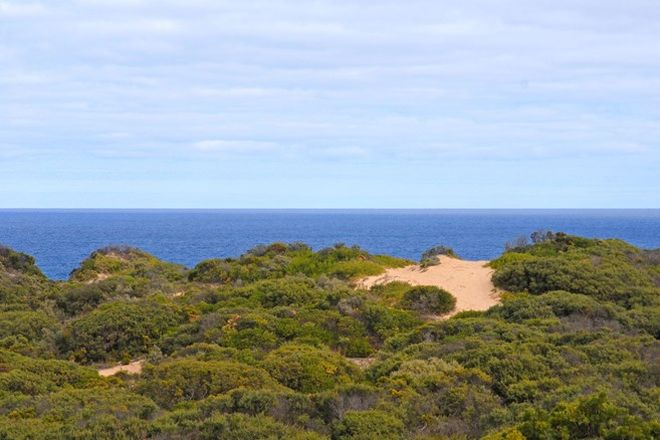 Picture of 14 Paringa Road, PORTSEA VIC 3944