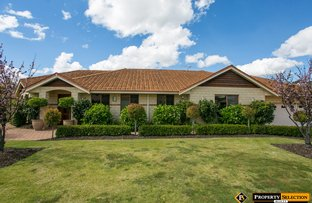 Picture of 15 Shadycroft Rereat, Dianella WA 6059