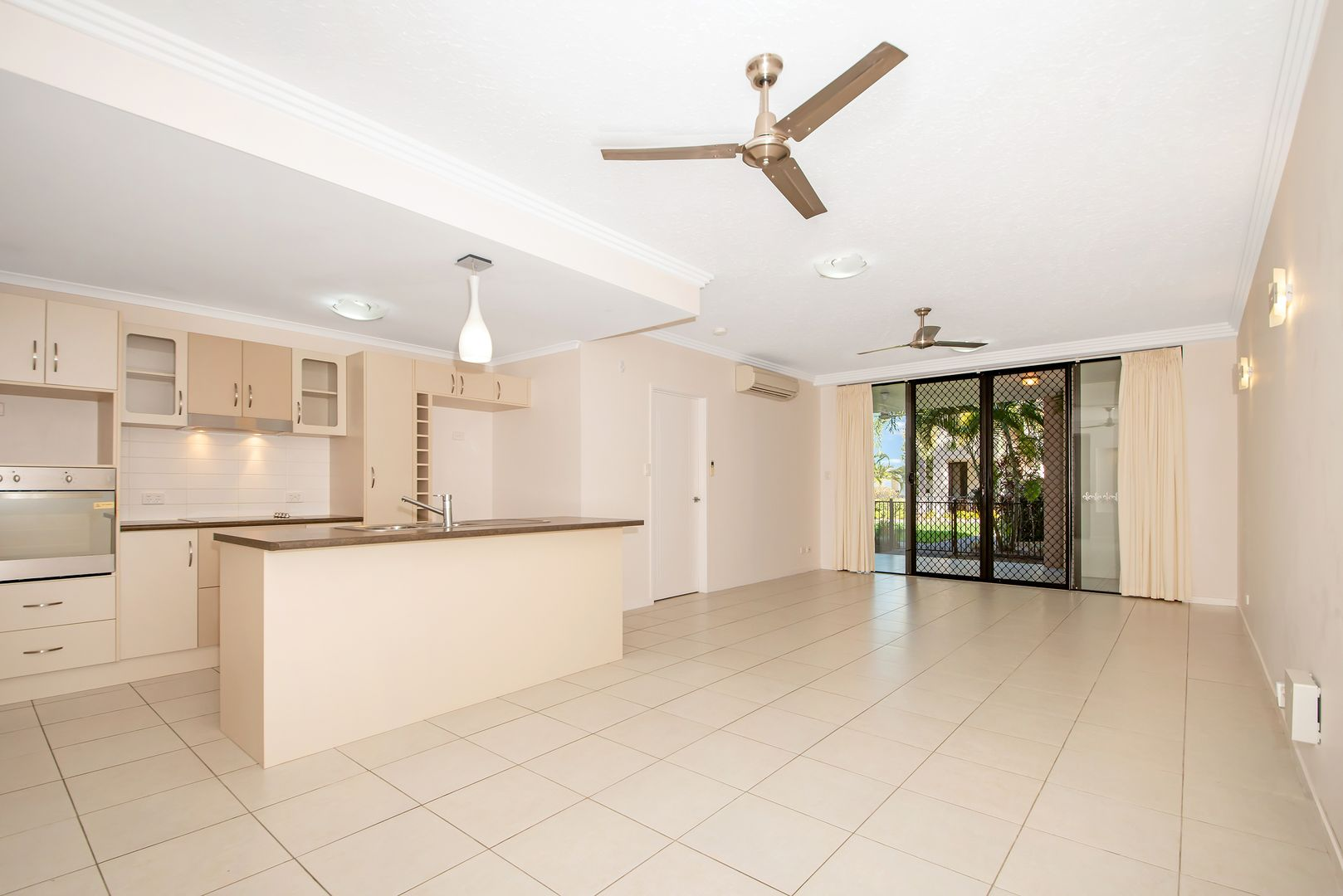 43/14-24 Henry Street West End, West End QLD 4810, Image 2
