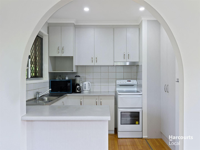 32 Bushmills Court, Hillcrest QLD 4118, Image 2