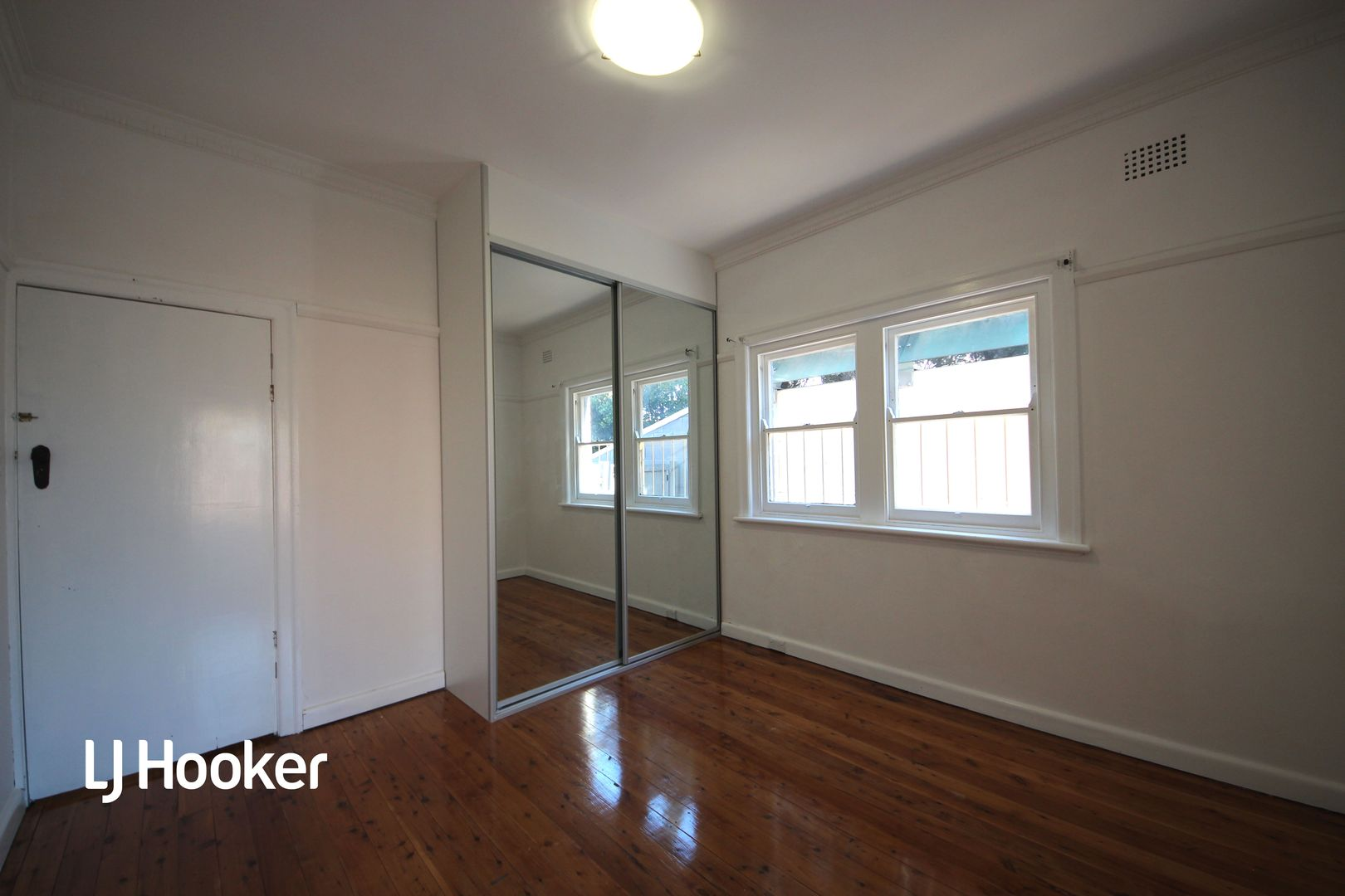 2/1 Park Road, Burwood NSW 2134, Image 2