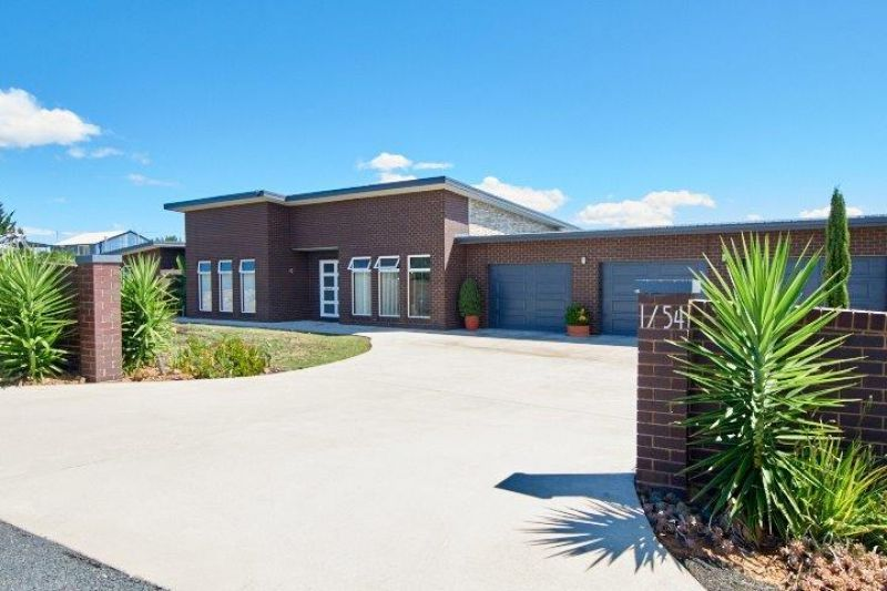 1/54 Cloverdale Road, Tumut NSW 2720, Image 0