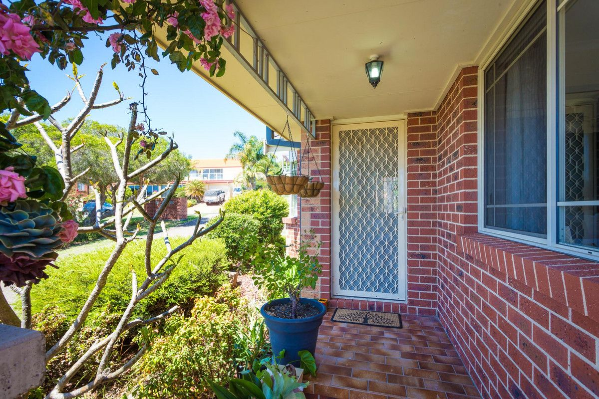 1/5 Banksia Court, Tura Beach NSW 2548, Image 1