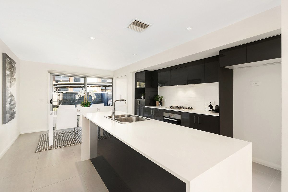 15/96 Henry Kendall Street, Franklin ACT 2913, Image 2