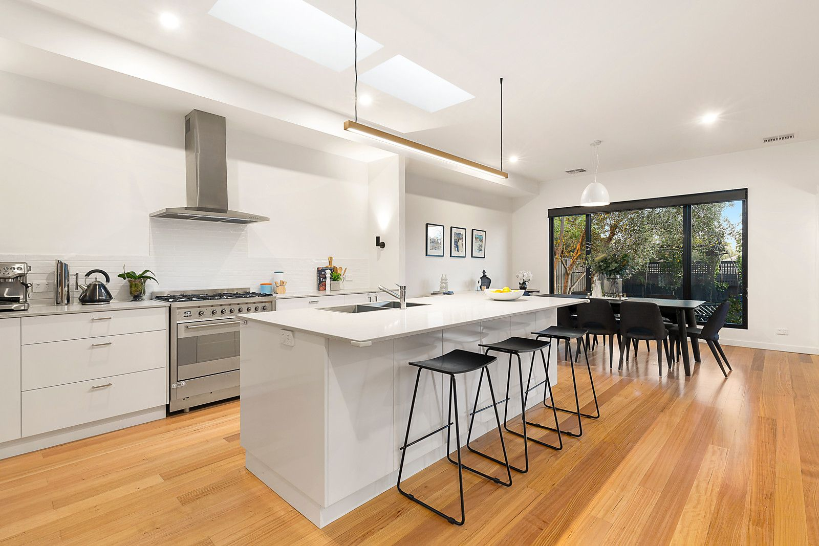 686 Riversdale Road, Camberwell VIC 3124, Image 2