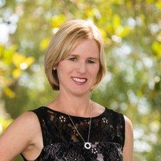 Danielle McCulloch, Sales Associate