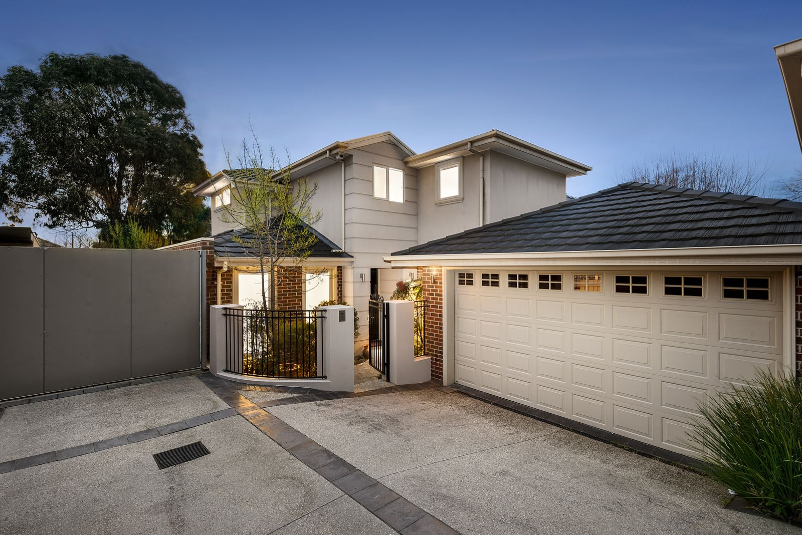 2/2 Through Road, Camberwell VIC 3124, Image 0