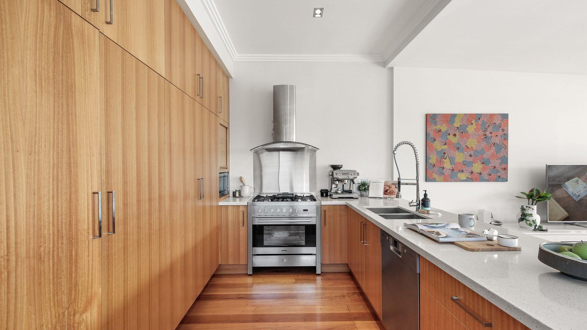 19 Hanks Street, Ashfield NSW 2131, Image 2