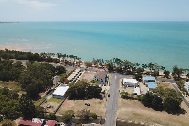 Picture of 319a Esplanade, SCARNESS QLD 4655