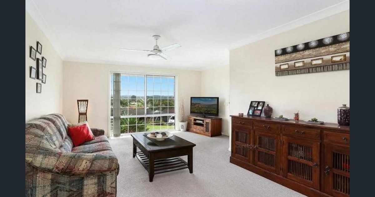 24 Zinnea Street, Elanora QLD 4221, Image 2