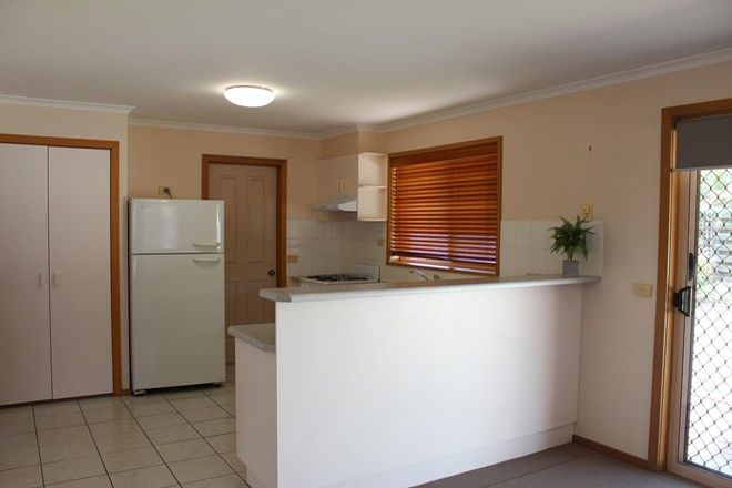 Picture of 2/339 Shirleen Crescent, LAVINGTON NSW 2641
