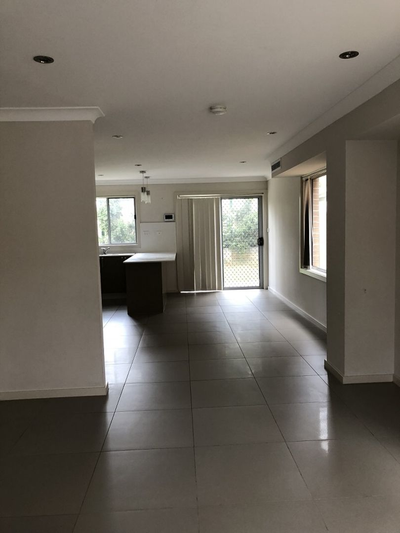 7/10-12 Canberra Street, Oxley Park NSW 2760, Image 2