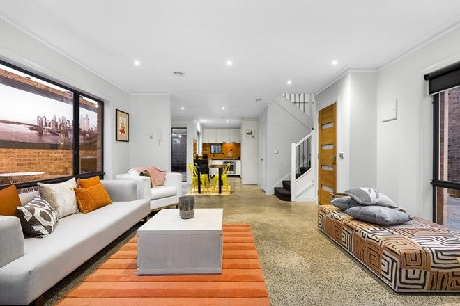 Picture of 1/10 Callander Road, PASCOE VALE VIC 3044