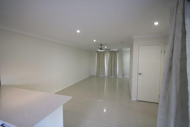 2/29 Abang Avenue, Tanah Merah QLD 4128, Image 1