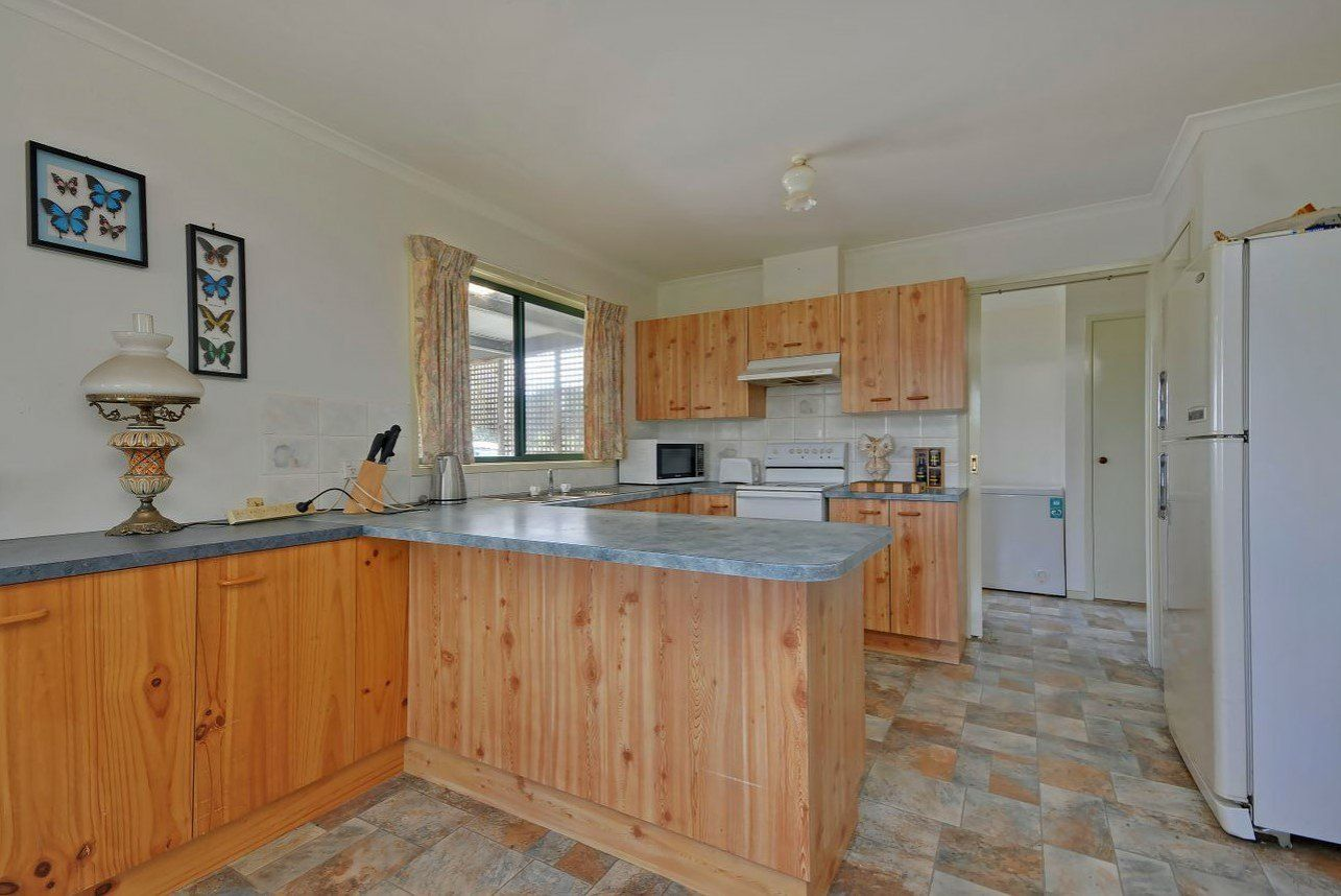 12 Tenneille Court, Rosedale VIC 3847, Image 1