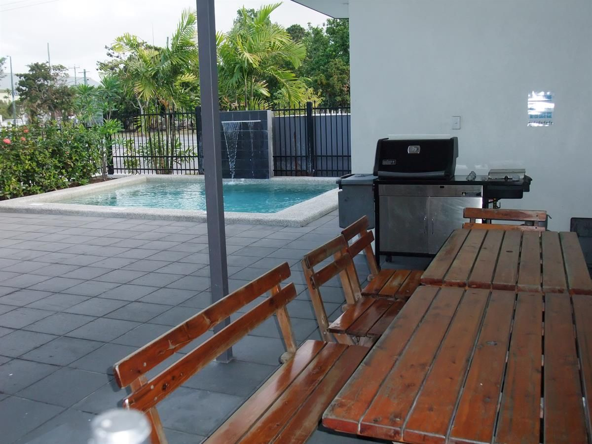 2/172 McLeod Street, Cairns North QLD 4870, Image 0