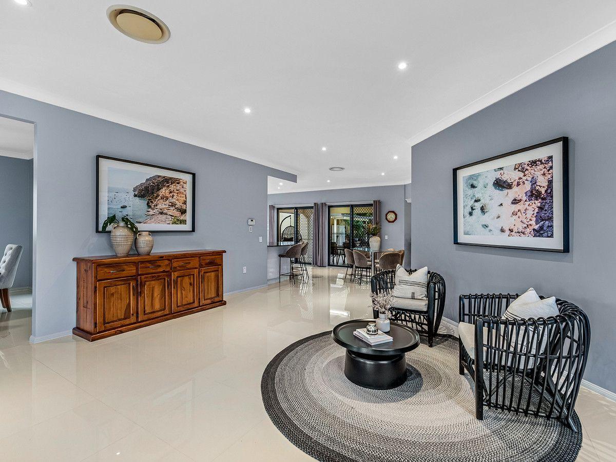 45 Hannah Street, Mount Ommaney QLD 4074, Image 2