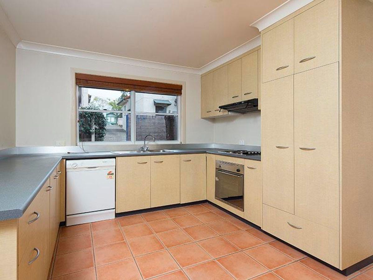 4/49 Nicholson Street, Greenslopes QLD 4120, Image 2