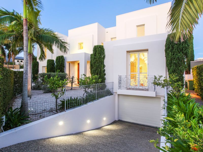 27 Midshipman Court, Paradise Waters QLD 4217, Image 0