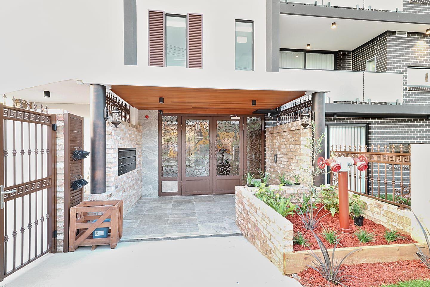 13 Pearce Ave, Peakhurst NSW 2210, Image 2