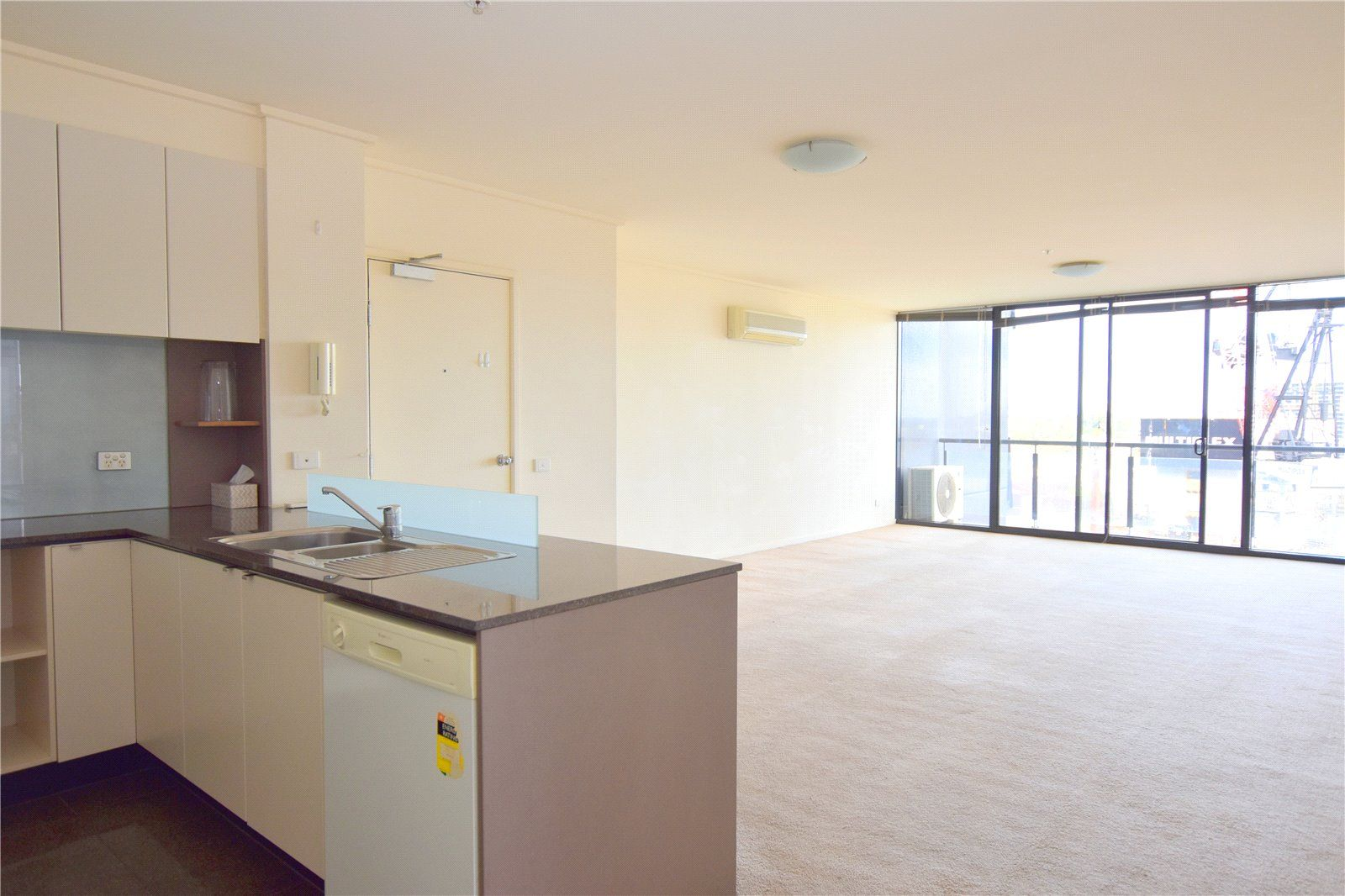 141/100 Kavanagh Street, Southbank VIC 3006, Image 0