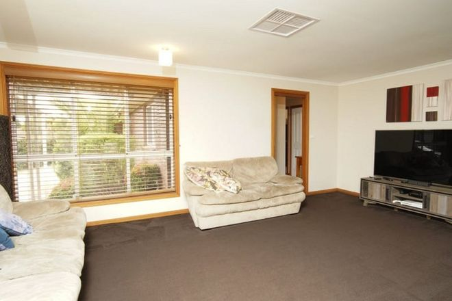 Picture of 9 Giles Place, LAKE ALBERT NSW 2650