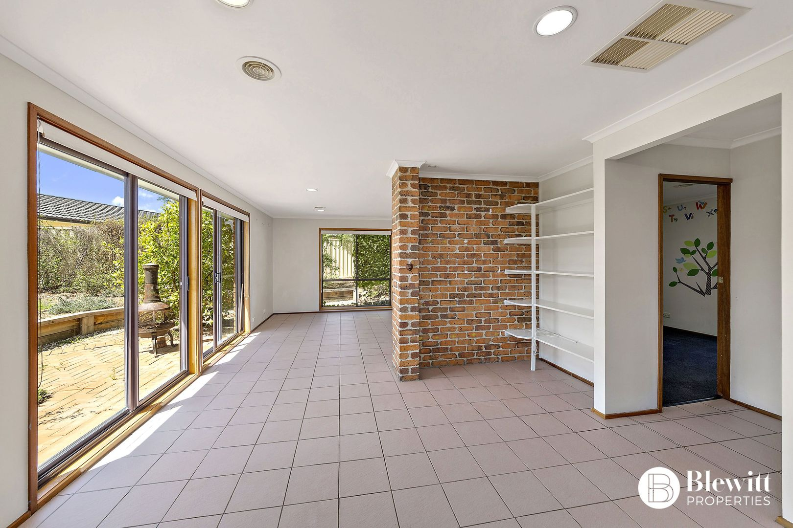 7 Hain Place, Gilmore ACT 2905, Image 2