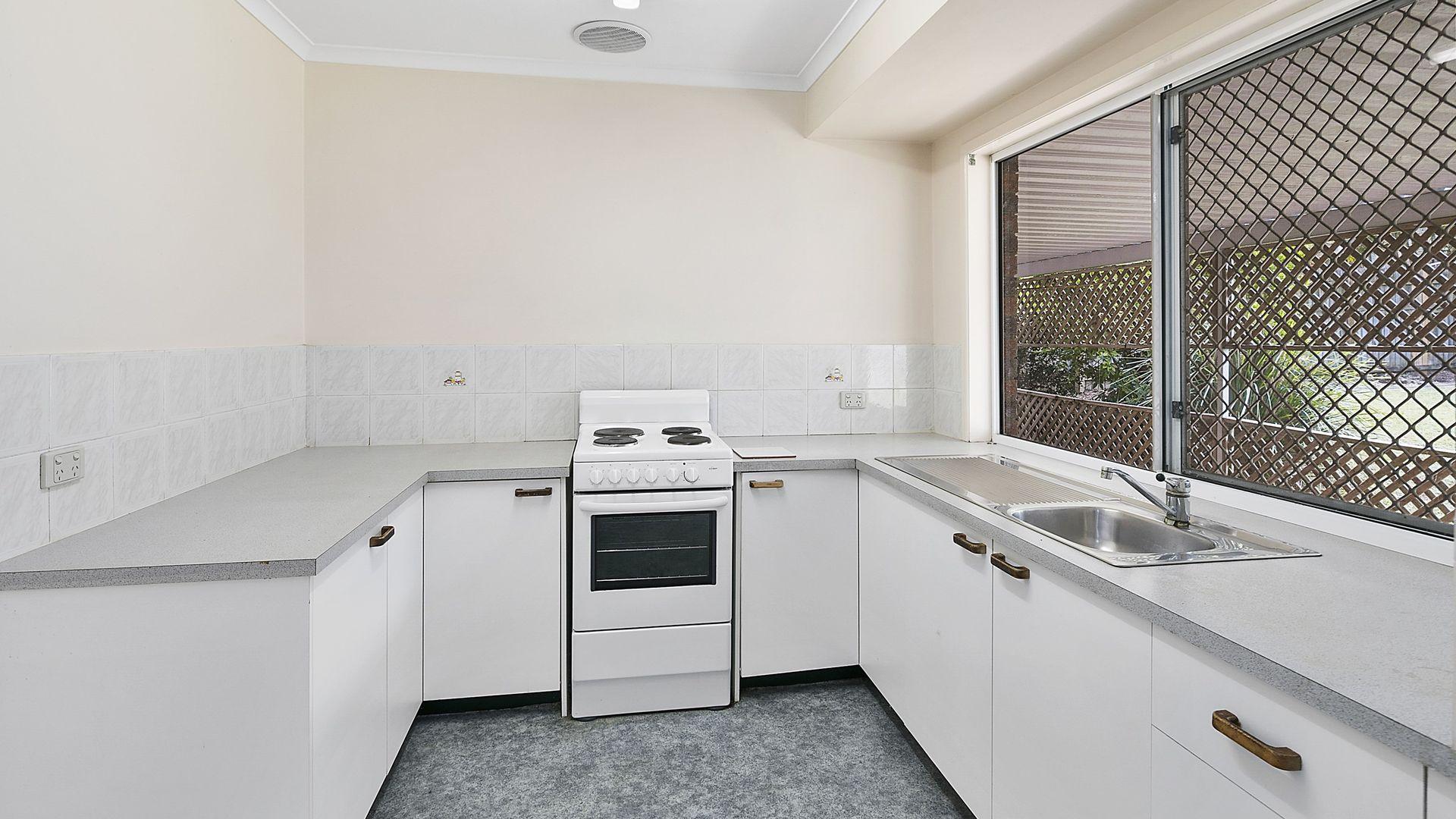 98 Windemere Road, Alexandra Hills QLD 4161, Image 2