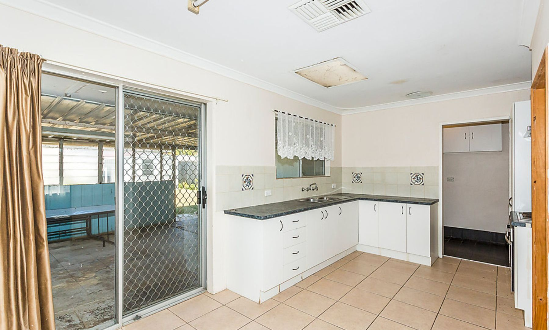 7 Tarwarri Close, Hillman WA 6168, Image 1